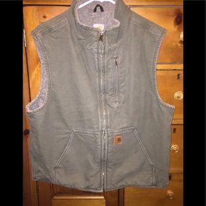 ⭐️ Woman's Carhartt vest size large